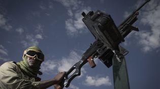 Un soldat malien, le 25 février, à Gao, dans le nord du Mali. (JOEL SAGET / AFP)