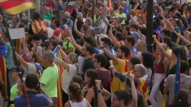 Les Catalans manifestent toujours devant la Cour d'appel