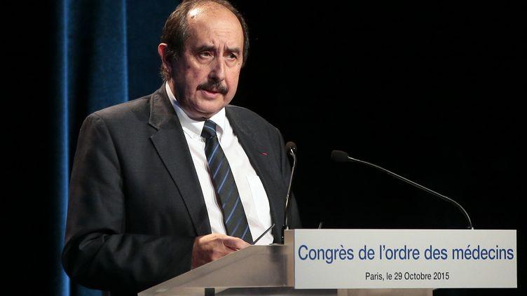 Le président de l'Ordre des médecins,Patrick Bouet, lors d'un discours à Paris, le 29 octobre 2019. (JACQUES DEMARTHON / AFP)