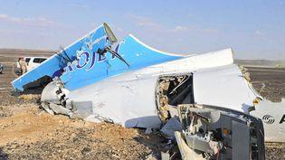 Des débris de l'avion russe qui s'est écrasé en Egypte sont photographiés, le 31 octobre 2015, dans le Sinaï égyptien. (MAXPPP)