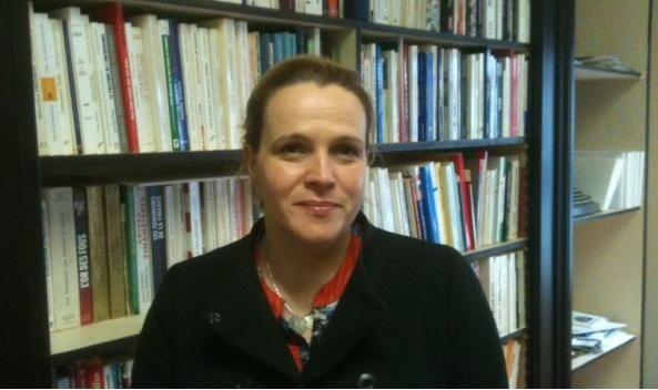 La candidate du FN Françoise Coolzaet dans les locaux du parti à Lille (DR)
