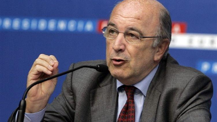 Joaquim Almunia, le commissaire aux Affaires économiques et monétaires rappelle la France à l'ordre. (AFP - stephane Danna)