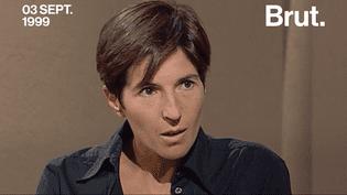Christine Angot, écrivaine française à succès. (Brut)