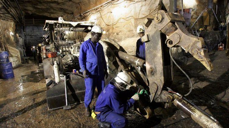Mine d'uranium d'Arlit en 2005, au Niger, détenue par Cominak, filiale d'Areva. (PIERRE VERDY / AFP)