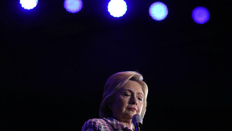 La candidate démocrate Hillary Clinton, le 25 juillet 2016, lors d'un meeting à Charlotte, en Caroline du Nord. (JUSTIN SULLIVAN / GETTY IMAGES NORTH AMERICA / AFP)