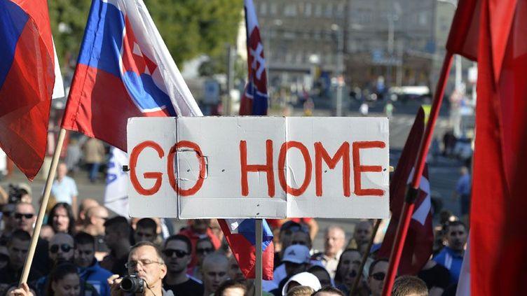 Manifestation anti-immigrés en Slovaquie, en août 2015. (SAMUEL KUBANI / AFP)
