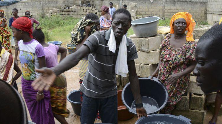 La capitale sénégalaise Dakar, en 2013, avait connu des problèmes d'approvisionnement en eau potable. (Thierry Gouegnon / Reuters)