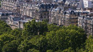Des immeubles parisiens, dans le 16e arrondissement de Paris (illustration). (VINCENT ISORE / MAXPPP)