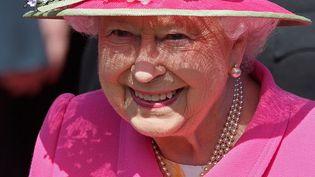 La reine Elizabeth II à Windsor, dans l'ouest de Londres, le 20 avril 2016. (LEON NEAL / AFP)