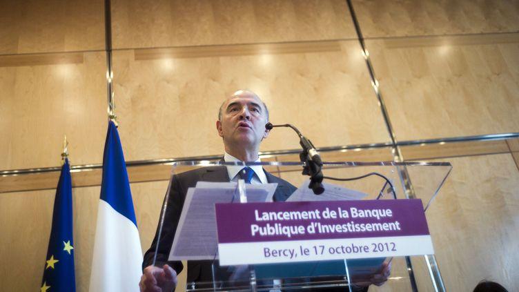 Le ministre de l'Economie, Pierre Moscovici, lors d'une conférence de presse sur la Banque publique d'investissement, le 17 octobre 2012 à Paris. (FRED DUFOUR / AFP)