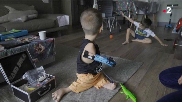 Handicap : une prothèse de bras à partir de Lego