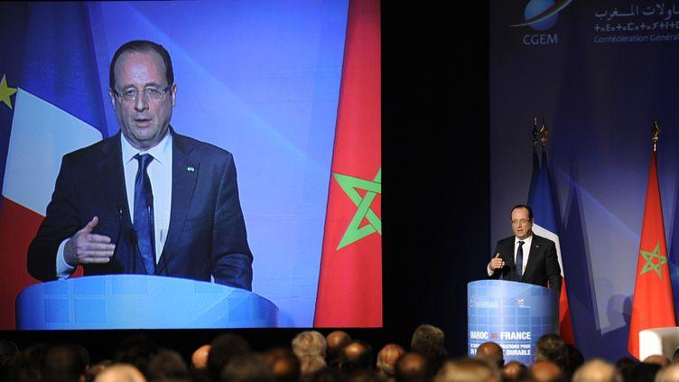 François Hollande devantla presse à Rabat (Maroc) jeudi 4 avril 2013 (YOUSSEF BOUDLAL / AFP)