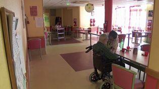 Alzheimer : une maladie en progression, mais toujours sans traitement (FRANCEINFO)