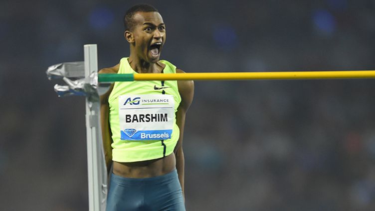 Le Qatarien Barshim franchit 2m43 en hauteur (EMMANUEL DUNAND / AFP)