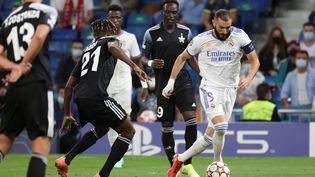 Le Real Madrid s'est incliné face au Sheriff Tiraspol malgré un but de Karim Benzema. (JUANJO MARTIN / EFE)