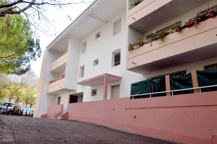 La résidence Fontaine de Cotte, dans le quartier de la Celleneuve, à Montpellier, où un couple a été arrêté dans une enquête terroriste, le 22 décembre 2015. (MAXPPP)