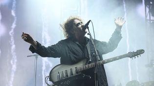 L'incroyable Robert Smith mène les Cure pour un concert de 2h20, clou de cette première journée de festival. (NATHALIE GUYON)