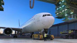 Les avions sont inspectés de fond en combe par des techniciens spécialisés. (FRANCE 2)