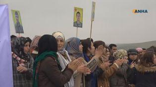 Les Kurdes manifestent contre la décision de Donald Trump de quitter la Syrie. (France 24)