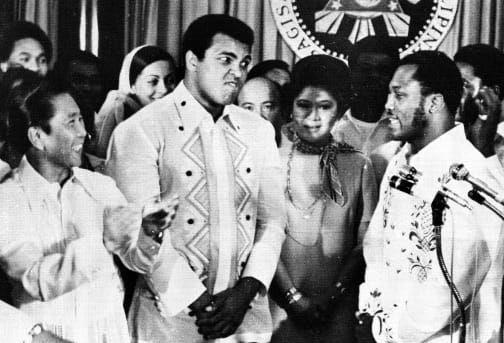 Mohamed Ali fait de nouveau face à Joe Frazier à Manille, pour le plus grand bonheur du président philippin Ferdinand Marcos