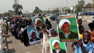 Des membres du Mouvement islamique au Nigeria prennent part à une manifestation contre la détention de leur dirigeant Ibrahim Zakzaky à Abuja le 22 janvier 2019. (SODIQ ADELAKUN / AFP)