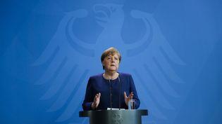 La chancelière allemande Angela Merkel, le 6 avril 2020, lors d'une conférence de presse dans la capitale Berlin. (MARKUS SCHREIBER / AFP)