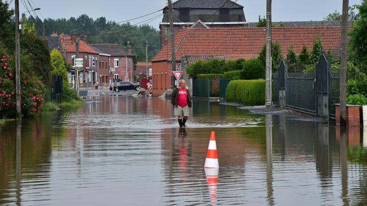 Une rue de Valenciennes (Nord) inondée, le 9 juin 2016. (MAXPPP)