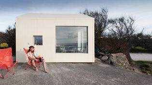 """La """"Maison Viking"""" de Freaks Architecture à Fermanville (Cotentin), France 2017. (PHOTO JULES COUARTOU)"""