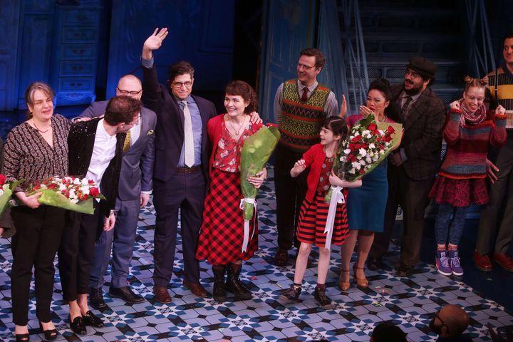 """La troupe de """"Amélie. A new musical"""" salue le public le soir de la première au Walter Kerr Theatre.  (JM11/WENN.COM/SIPA)"""