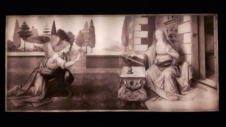 """""""L'Annonciation"""" de Léonard de Vinci,vu enréflectographie infrarouge. L'œuvre est prêtée par le musée des Offices de Florence dans le cadre de l'exposition Vinci au Louvre. (ANNE CHEPEAU / RADIO FRANCE)"""
