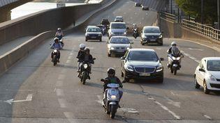 Les chiffres récents publiés par la sécurité routière montrent que la mortalité sur les routes a chuté de presque 19% en 10 ans. (JACQUES LOIC / PHOTONONSTOP RF / GETTY IMAGES)