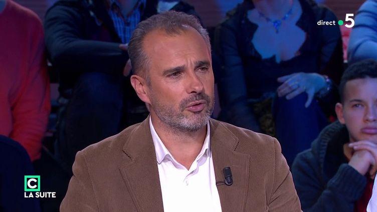 """Le philosopheAbdennour Bidar sur le plateau de l'émission """"C politique"""", sur France 5, le 25 novembre 2018. (FRANCEINFO / FRANCE 5)"""