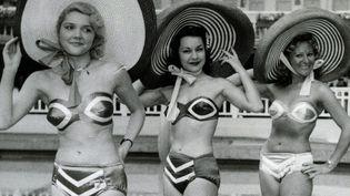 Présentation de bikinis de Louis Réard à Molitor en 1951. Collection Nuits de Satin  (DR)