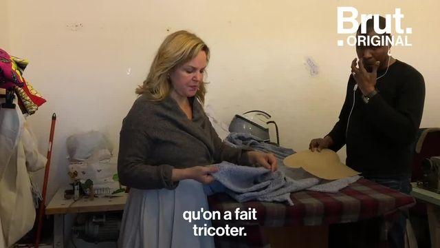 """Dans sa boutique """"Chaussettes Orphelines"""" à Paris, Marcia de Carvalho propose des vêtements conçus à partir de fil 100 % recyclé. Brut l'a rencontrée."""