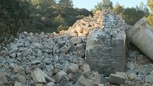 Dans le Gard, un aqueduc s'est effondré dimanche 23 décembre. L'ouvrage centenaire n'a fait aucune victime. (FRANCE 3)