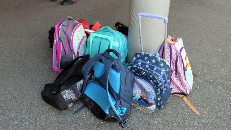 Lors d'un blocage d'école en réaction à la Loi Blanquer, à l'école maternelle et primaire Elsa Triolet à Toulouse, le 16 mai 2019. (NATHALIE SAINT-AFFRE / MAXPPP)