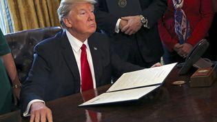 Le décret anti-immigration de Donald Trump bloqué temporairement, depuis une décision d'un juge de Seattle vendredi 3 février. (AUDE GUERRUCCI / POOL / ISP POOL)