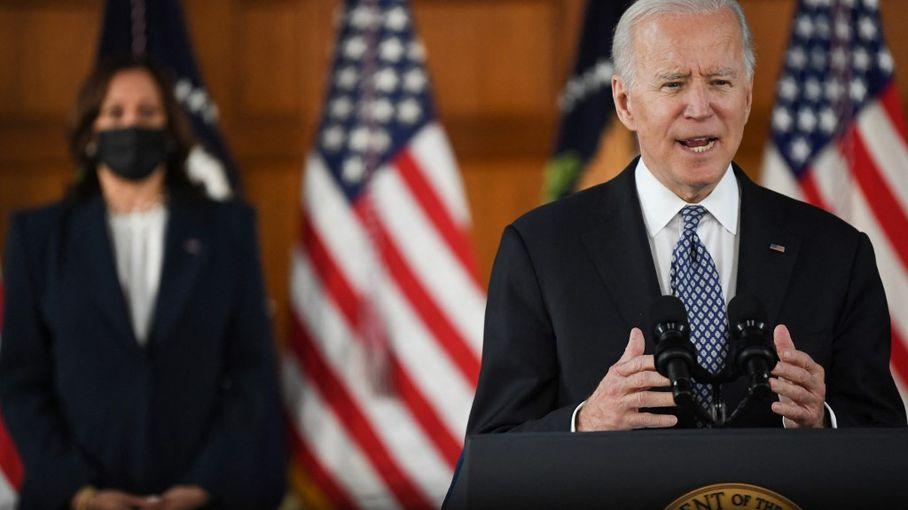 """""""Les gens ont à nouveau de l'argent et sont prêts à le dépenser"""" : aux Etats-Unis, les premiers effets du plan de sauvetage de Joe Biden"""