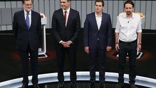 De gauche à droite, le chef du gouvernement conservateur et candidat à sa réélection Mariano Rajoy, le leader du Parti socialiste (PSOE) Pedro Sanchez, celui de Ciudadanos (centre droit) Albert Rivera etcelui de Podemos (gauche, anti-austérité) Pablo Iglesias, lors d'un débat télévisé avant les législatives espagnoles, le 13 juin 2016. (JUAN MEDINA / REUTERS)