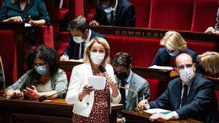 La ministre de la Transition écologique, Barbara Pompili, le 8 juin 2021 à l'Assemblée nationale. (XOSE BOUZAS / HANS LUCAS / AFP)