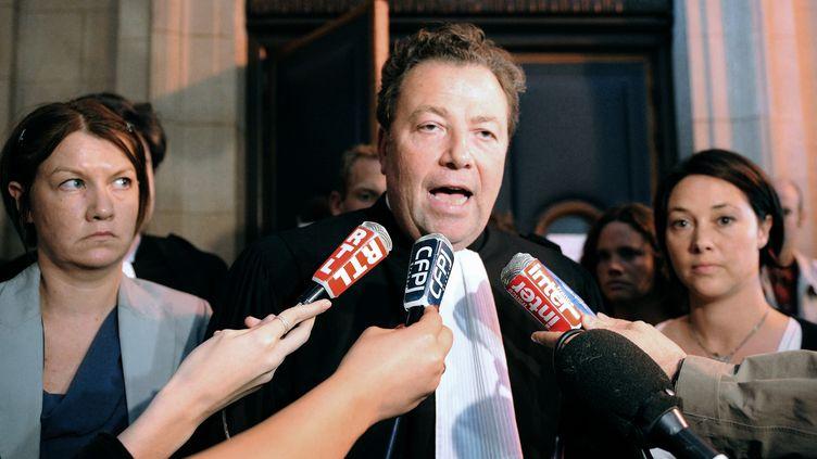L'avocat des familles des victimes de l'attentat de Karachi, Olivier Morice, le 18 juin 2010 au tribunal de Paris. (BERTRAND GUAY / AFP)