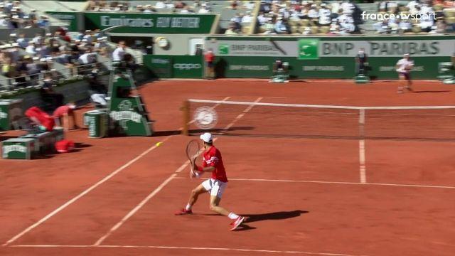 Finale messieurs : l'amorti parfaitement masqué de Djokovic dans le troisième set