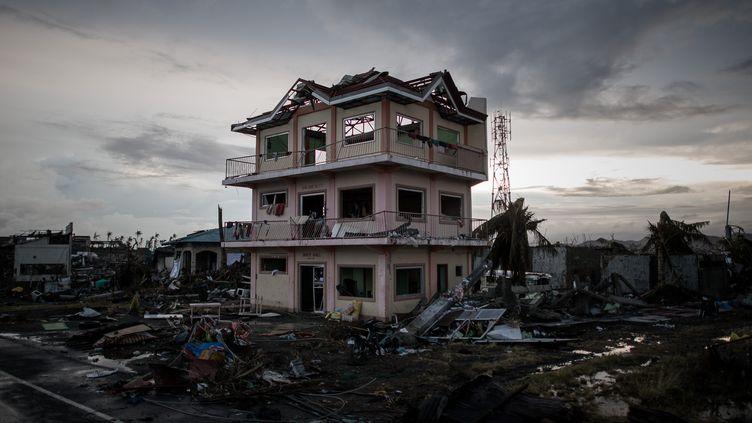 Dans les environs de Tacloban (Philippines), le 12 novembre 2013., (PHILIPPE LOPEZ / AFP)