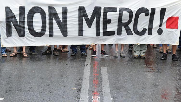 Des intermittents du spectacle manifestent à Avignon, le 4 juillet 2014.  (Boris Horvat/AFP)