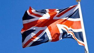 Le drapeau britannique flotte au bout d'un mât. (MAXPPP)