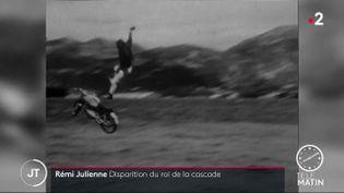Rémy Julienne, lors d'une cascade pour un film. (France 2)