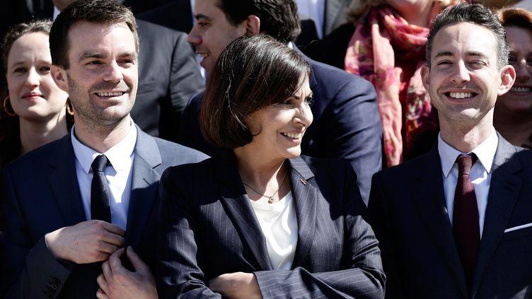 Bruno Julliard (à g.), Anne Hidalgo et Ian Brossat, lors de l'investiture de la nouvelle maire de Paris, le 5 avril 2014. (VINCENT ISORE / MAXPPP)