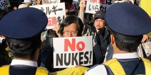 Manifestation à Tokyo, le 13 octobre 2012, contre le plan du gouvernement japonais de relancer l'énergie nucléaire. (AFP PHOTO / Rie ISHII )