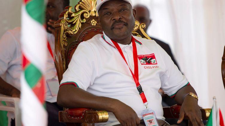 Le président de la République du Burundi, Pierre Nkurunziza, lors d'un conseil de défense dans la province de Gitega, au Burundi, le 26 janvier 2020. (EVRARD NGENDAKUMANA / REUTERS)