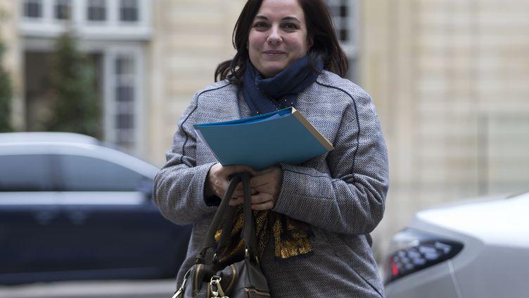 La ministre du Logement Emmanuelle Cosse arrive à Matignon, le 18 février 2016. (KENZO TRIBOUILLARD / AFP)